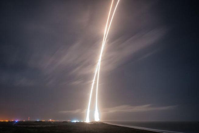 ¡Por primera vez se aterriza un cohete de forma segura!