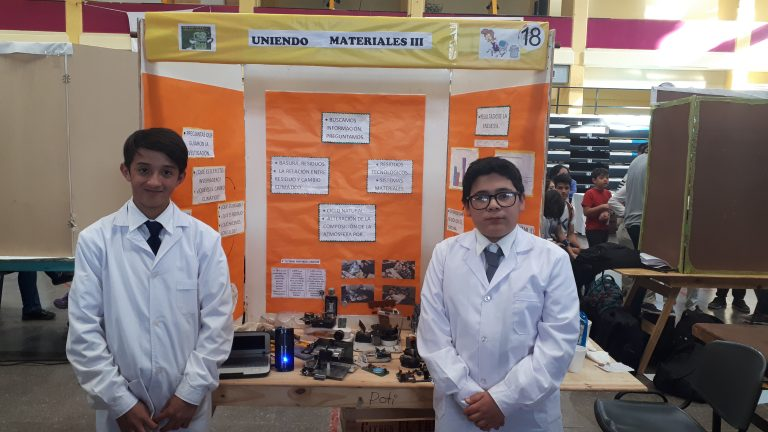 UNIENDO MATERIALES III: El compromiso por querer cambiar las cosas – Feria de Ciencias 2018