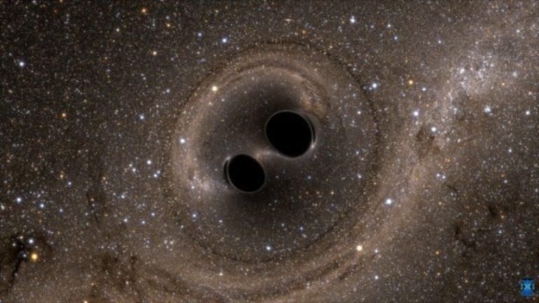 Descubren agujero negro que dobla el espacio-tiempo a su alrededor.