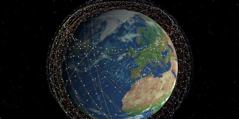 Starlink afectaría la observación del cielo.