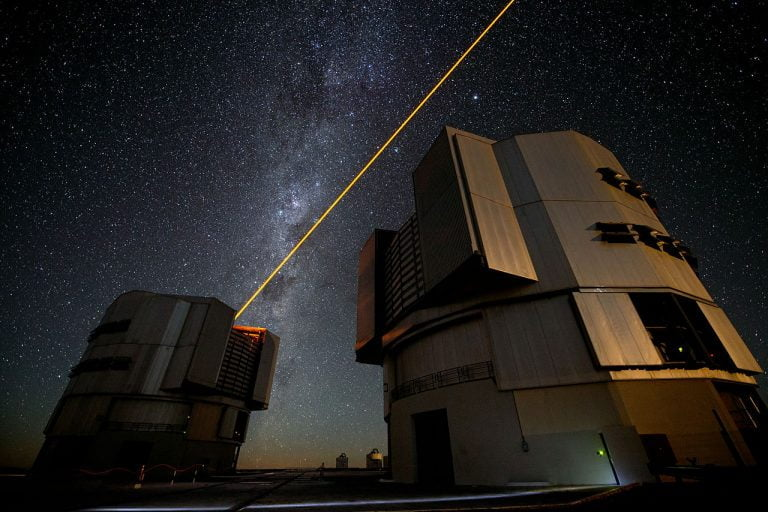Observatorio Paranal de ESO nos permite ver un lejano cometa azul.