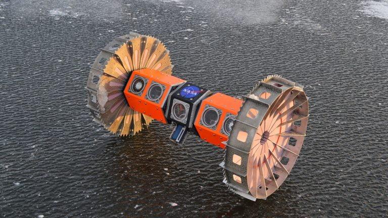 Un rover sumergible para explorar lunas heladas.