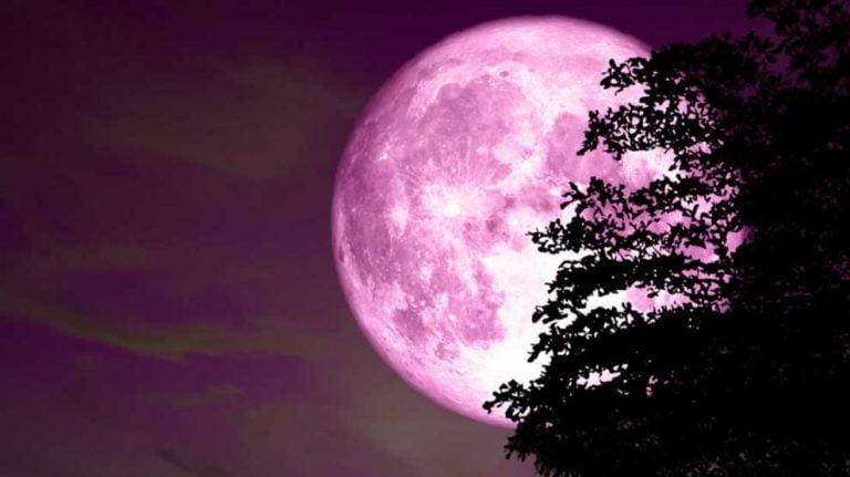 Esta noche podremos ver la Luna Rosa, pero ¿qué es?